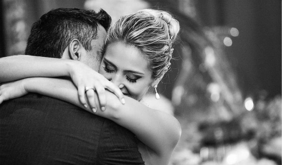 Resultado de imagem para abraços de amor
